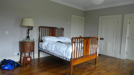 Coolefield House: my bed