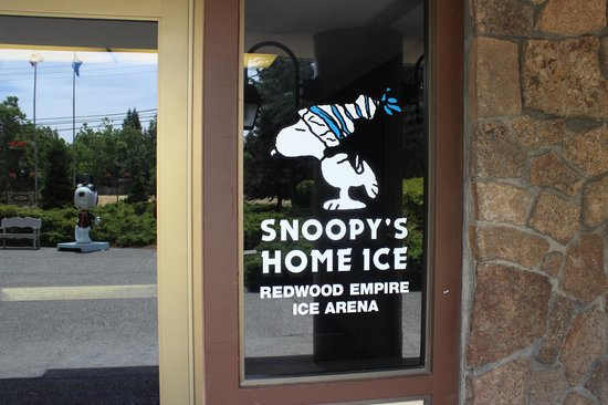 Charles M. Schulz Museum: Snoopy's Home Ice entrance,  Charles Schulz Museum, May 2014