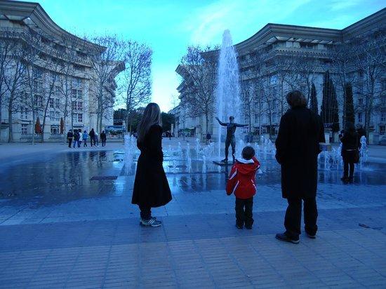 Pullman Montpellier Centre: Esta é a vista da Antigone onde esta o hotel