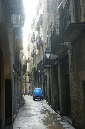 Mercer Hotel Barcelona: The street view outside the Mercer.