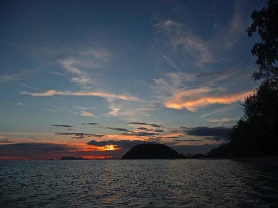 Mövenpick Resort Laem Yai Beach Samui: Another Sunset