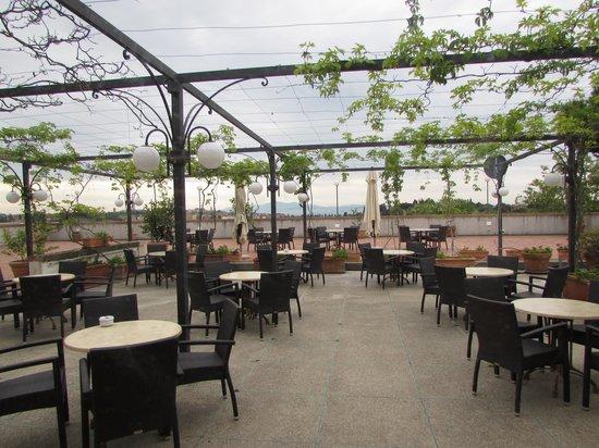 Hotel Garden: Terrace