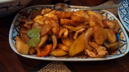 Bird Thai Restaurant: chicken with mango and ananas