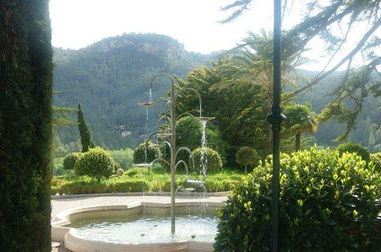 Gran Hotel Son Net: The fountain at Gran Son Net