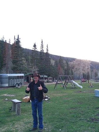Medicine Bow Lodge: Good old cowboy, Tim!