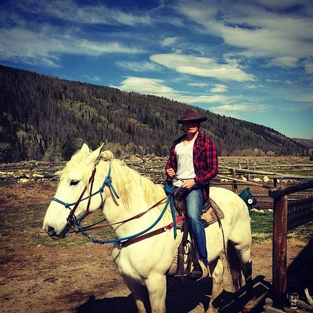Medicine Bow Lodge: Me getting ready to ride Pedro