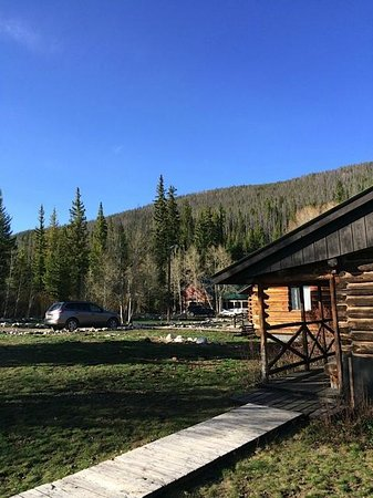 Medicine Bow Lodge: Outside my room