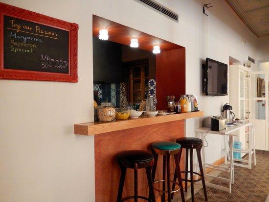 City Circus Athens: Breakfast Bar City Circus