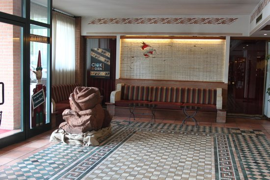 Etruscan Chocohotel : La Hall