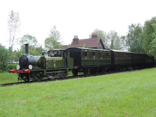 Isle of Wight Steam Railway: Newport leaving Ashey station