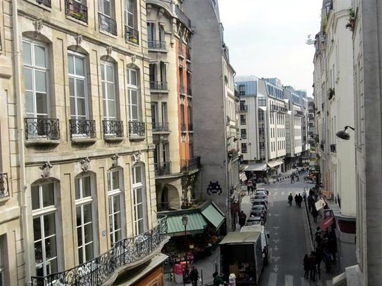 Hotel Saint-Honore : View from our 3rd floor room