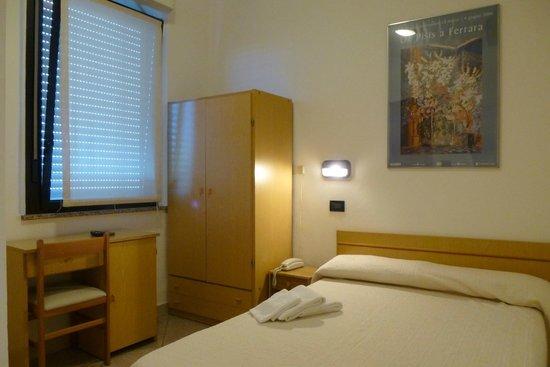 Hotel Daniela Ferrara Budget Hotel : Camera Queen Size