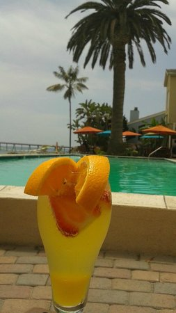 Cliff House Inn on the Ocean: Mimosa by the pool