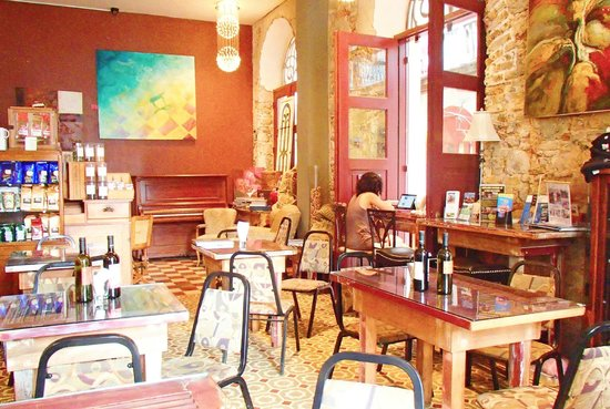 Casa Sucre Coffeehouse: In the Coffeehouse