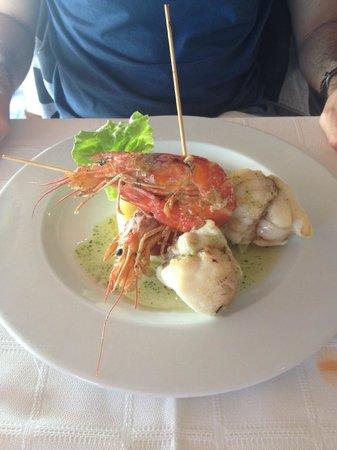Restaurante Mar de Ardora: Brocheta de rape y langostinos.