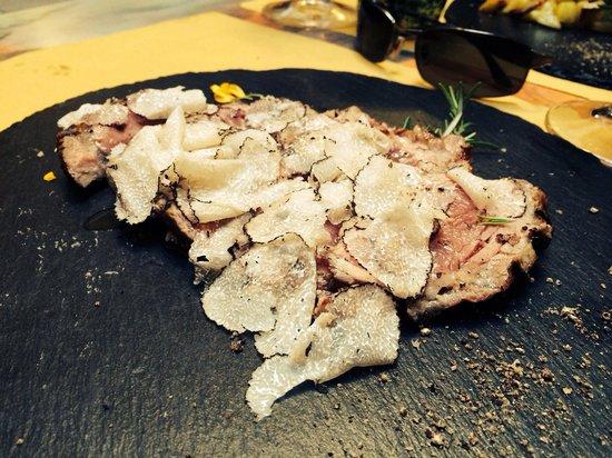 Cum Quibus: Tagliata con tartufi (Sirloin with truffles)