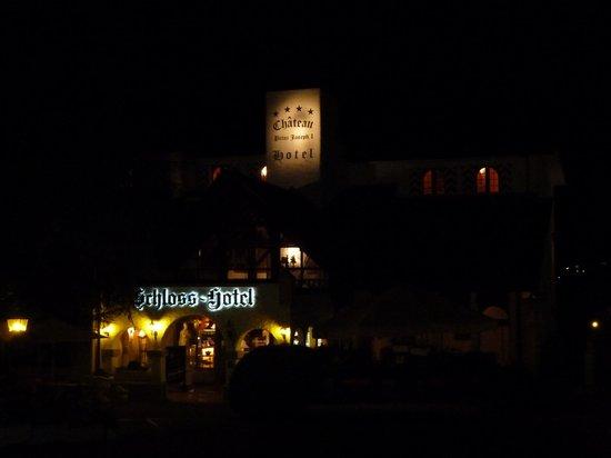Swiss-Chalet Lodge: Schloss hotel