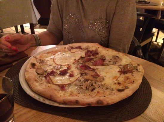 Quel Castello di Diegaro : Super pizza!!!