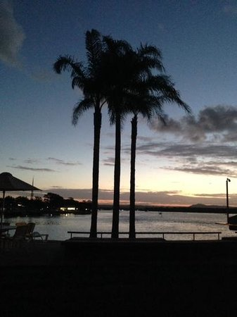 Culgoa Point Beach Resort: sunset at Culgoa