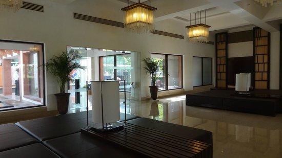 Trident, Agra: Reception Entrance