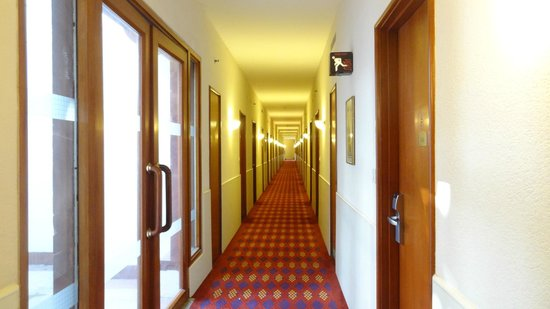 Trident, Agra: Corridor to rooms