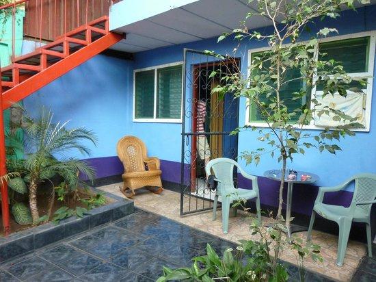 Nicaragua Guest House: Innenhof. Unser Zimmer war OK.