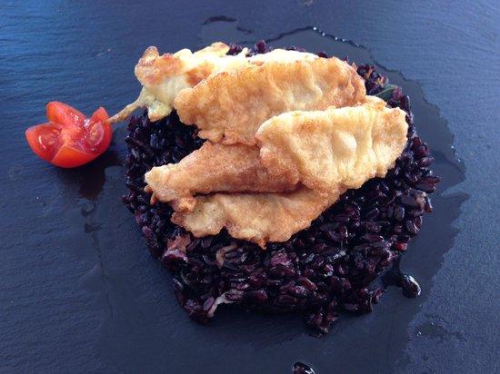 Hotel Suisse Restaurant : Riso di venere nero con filetti di pesce persico