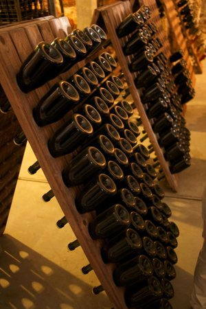 Bodegas Binifadet: Sparkling wine at Binifadet (c) Josh Murray