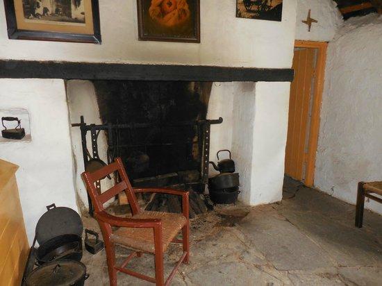 Kerry Bog Village Museum: Inside a small cottage in Bog Village