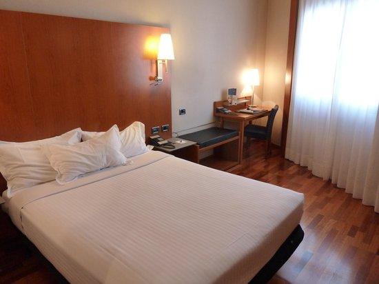 AC Hotel Leon San Antonio: Bedroom