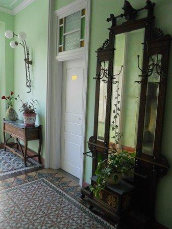 Hotel El Xalet: Noucentista Lobby