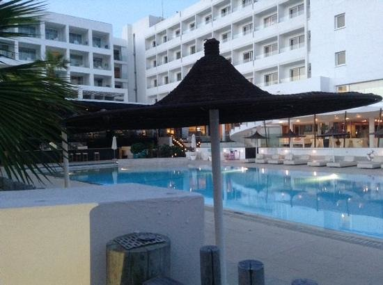 Napa Mermaid Hotel and Suites: pool area