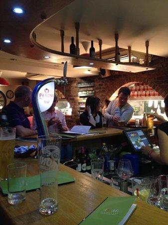 Dodds Restaurant: bar area at Dodds