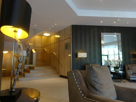 DoubleTree by Hilton Luxembourg: Reception
