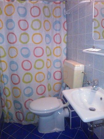 Nap Hotel: Ванная комната