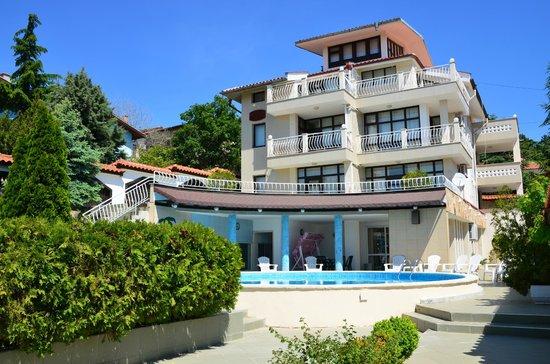 Villa Lazur