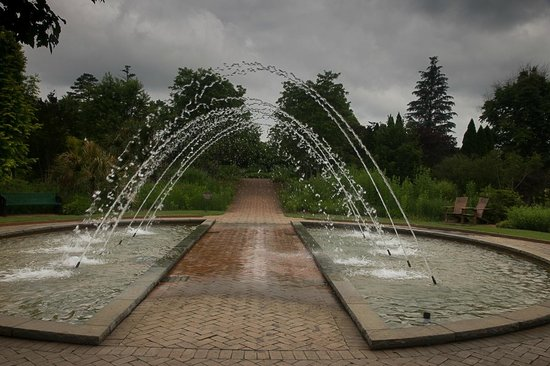 Daniel Stowe Botanical Garden: Travel at your own risk here