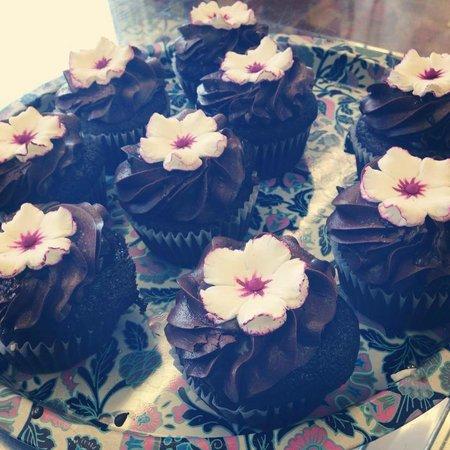 Night Owl Bakery: Chocolate Salted Ganache Cupcakes