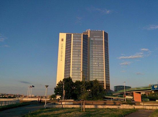 Corinthia Hotel Prague : Grande e bella struttura!!
