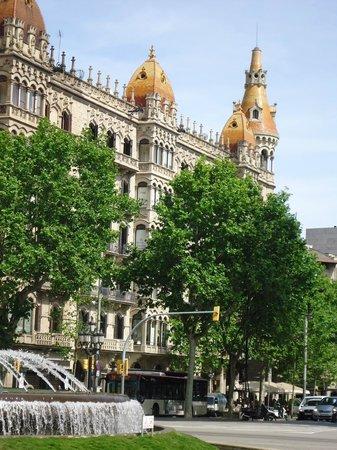 Paseo de Gracia (Passeig de Gracia): Maravillosa arquitectura.