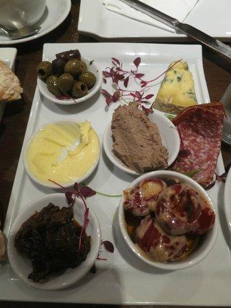 The Peppermill Restaurant: The platter for 1!