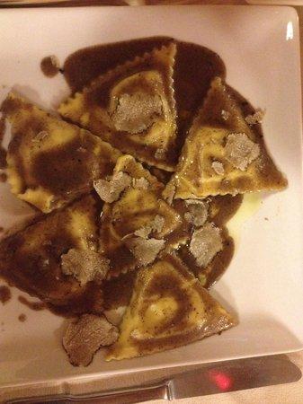 La Cascia: Triangoli al tartufo..