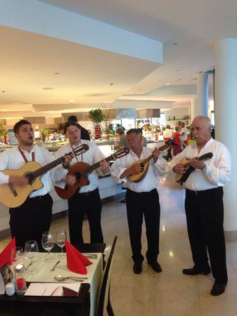 Valamar Lacroma Dubrovnik: Playing in the dining hall