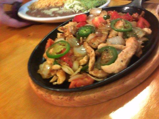 Nixa, MO: Pollo a la Mexicana