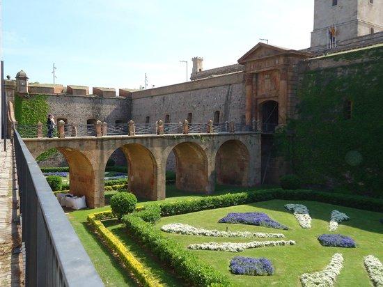 Parc de Montjuic: Entrada al castillo.