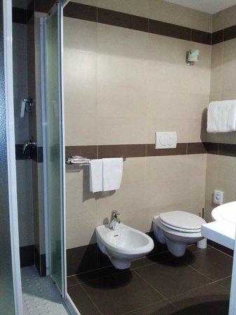 BEST WESTERN Grand Hotel Guinigi : bagno della camera