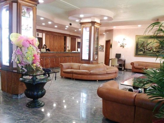 Best Western Grand Hotel Guinigi : reception