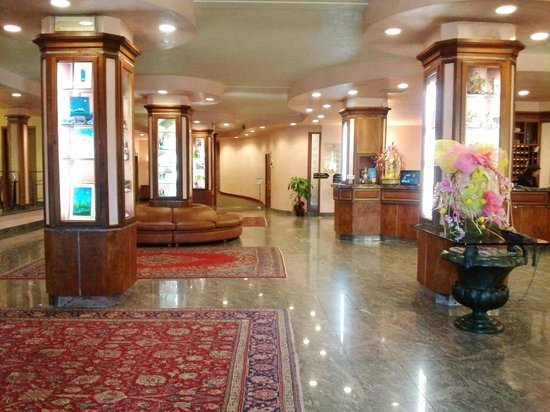Best Western Grand Hotel Guinigi : hall