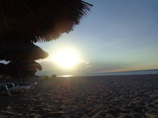 Be Live Experience Turquesa: очаровательный закат....