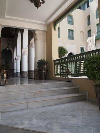 Palais Faraj Suites & Spa: Steps from pool to courtyard and lobby